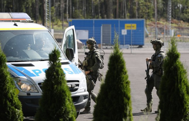 Hostage-takers release guards after pizza negotiations at Swedish prison